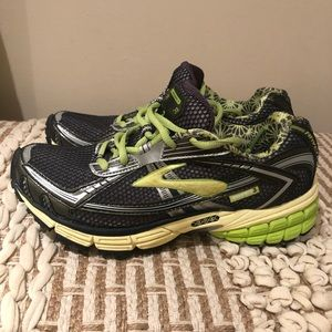 Brooks Avenna 3 Women's Running Shoes Size 7